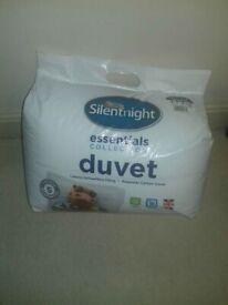 NEW Silentnight double duvet