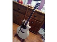 Yamaha APX500 II APX Vintage White Electro Acoustic Guitar. Built n Tuner plus extras