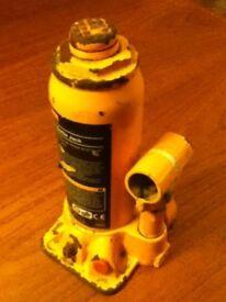 Halfor's 4 Tonne Bottle Jack