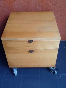 Small bedside table/chest of drawers West Wollongong Wollongong Area Preview