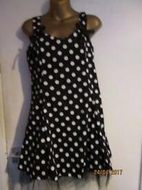 BLACK POLKA DOT DRESS NET UNDERSKIRT SIZE 16 BRAND NEW WITH LABEL CHRISTMAS OR NEW YEAR PARTY
