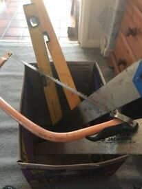 SELECTION OF SAWS AND LARGE LEVELS