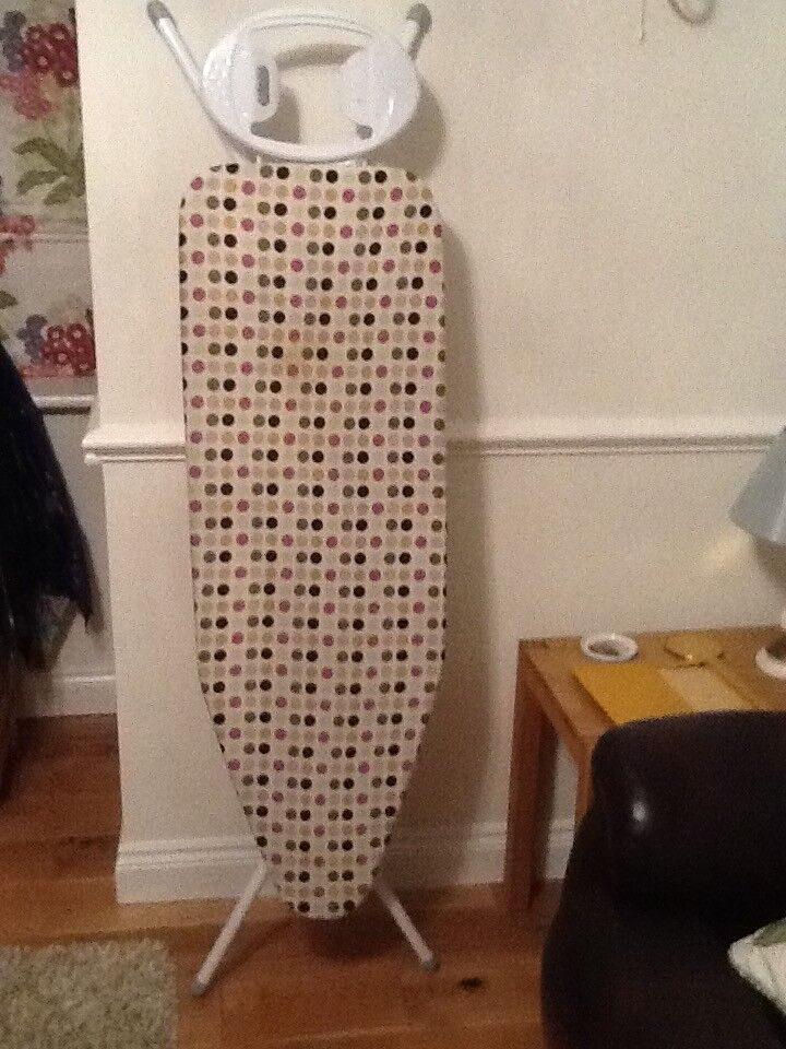 Ironing board very good condition