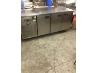 BENCH COUNTER FRIDGE TAKEAWAY SHOP FRIDGE COUNTER FRIDGE BENCH 3 DOORS FRIDGE FOR SHOP CAFE