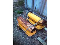 Space Heaters 2 x Master space heaters ( paraffin / diesel)