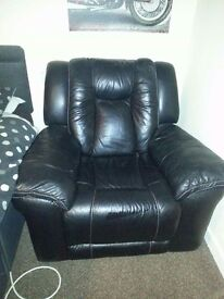 Single electric recliner