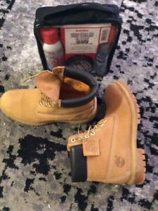 Timberlands boots and shoe care kit