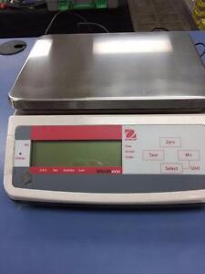 Balance Ohaus  Valor 1000 Series Scales  V11P30 poids maximun de 66 lbs ou 30 kilo