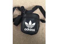 Adidas Trefoil cross overs bag