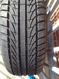 BRAND NEW SEMPERIT 225/60/R15 TYRE