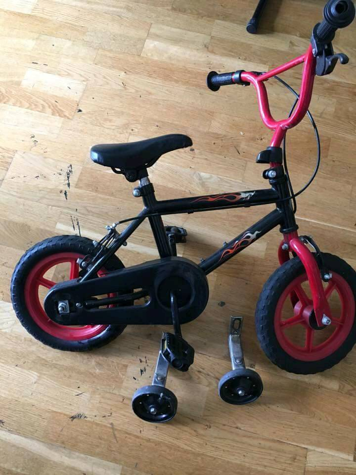 Kids bike - with side support