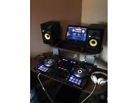KRK Rokit 5 G3 (Pair with Stands and XLR Cables)