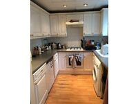 Large, cheap double room to rent in houseshare in Morden £445pm