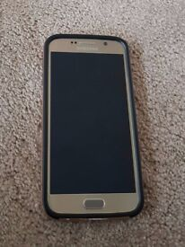 Samsung Galaxy S6 . Like New In Gold Case . 32GB . Unlocked