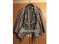 Abstract waterfall fringed fitted jacket size 8 BN