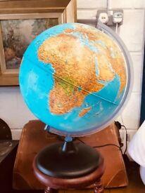 VINTAGE STYLE WORLD GLOBE LAMP - ANTIQUE VINTAGE RETRO