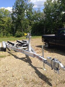 2017 32 foot Tridem Aluminum Boat Trailer with Aluminum Wheels