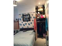 Double Room close to city centre in professionals House
