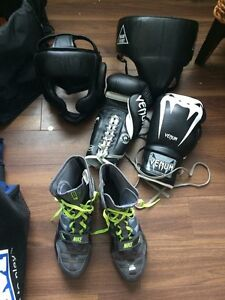 Boxing gloves and shoes for sale !