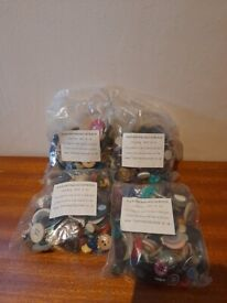 4X 100g Bags of mixed craft buttons RRP £27.96