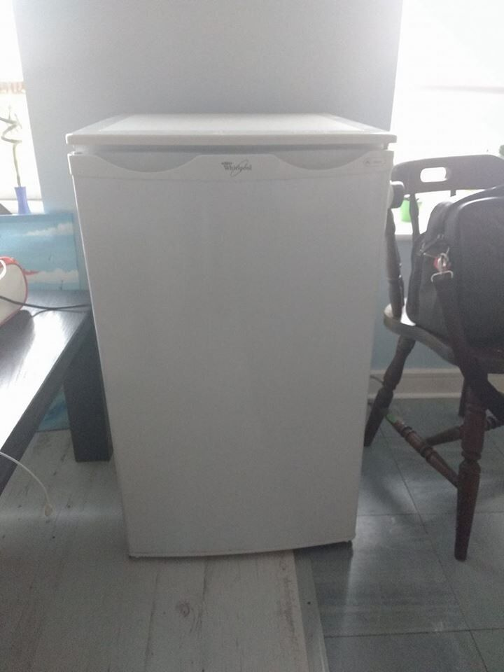 Undercounter fridge freezer Whirpool GC