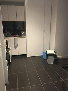 fully furnished single room for 1 person Melbourne CBD Melbourne City Preview