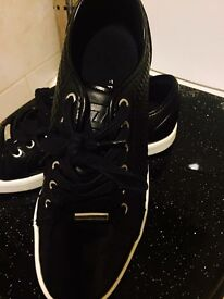 Black Cryuff trainers with white contrast sole