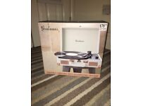 Goodmans Portable Turntable with Rechargeable Battery (+5 free records and record protectora)