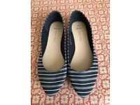New Look striped flat shoes size 5