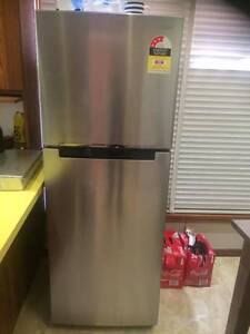 **ALMOST BRAND NEW** SAMSUNG  FRIDGE 320LTRS (PICK UP ONLY) Connells Point Kogarah Area Preview