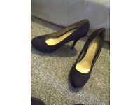 black high heels size 4