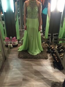 Prom and graduation dresses for sale London Ontario image 2