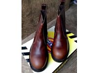 New in Box Dickies Safety Boots Size 6