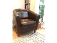 Leather tub chair in immaculate condition