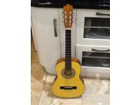 For sale guitar in excellent condition as seen in the pictures. Child size or beginner