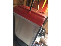 RIDE ON LAWNMOWER - HONDA V-TWIN 2315 - GOOD CONDITION