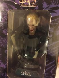 Buffy the vampire slayer figure