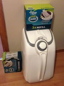 REDUCED.. Toppee timmee diaper genie with refills