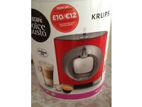 Coffee machine new with pods dolce gusto
