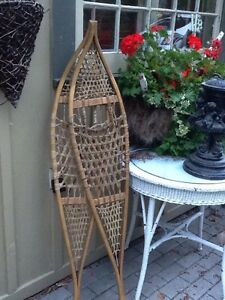Vintage Québécois Snowshoes - Great Decor Item!!! Belleville Belleville Area image 4