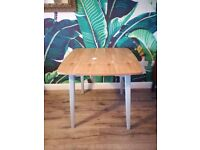 New Never Been Used tags and label Casamore Vintage Retro Style Dining Kitchen Table pale grey legs