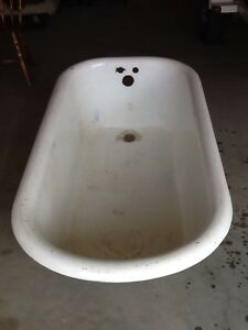 REDUCED!!  1929 Cast Iron Clawfoot Tub