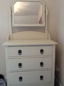 Drawers/dressing table