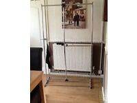 Light metal clothes rail