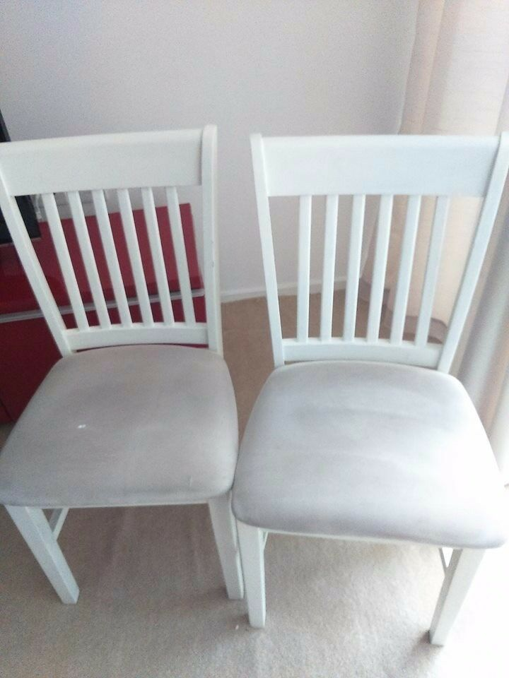 COMFORTABLE CHAIRS