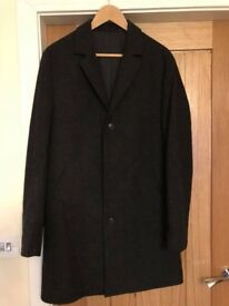 Brand new (no tags) Mens coat - size large