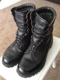 Gortex Army boots, size 9