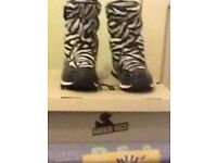Genuine Ladies Rubber Duck Boots Size 5 - New