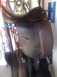 Brown leather dressage saddle Brookfield Brisbane North West Preview