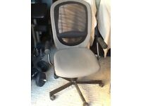Free grey typist chair, very good condition